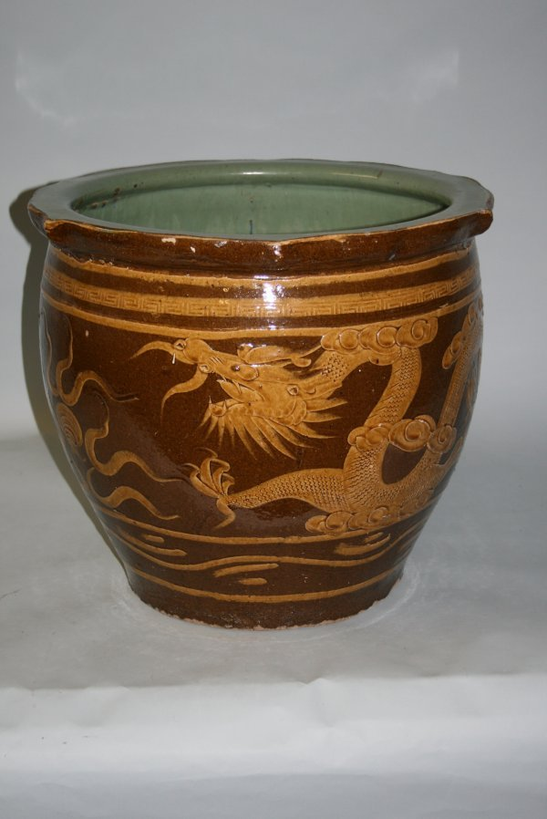 339: Large Chinese Ceramic Garden Pot with Dragons : Lot 339