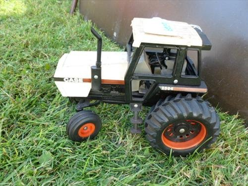 Kubota Tractor Black And White : Case tractor toy black and white lot
