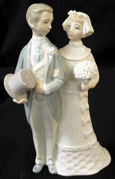 107 Lladro Wedding Couple With Flowers Lot 107