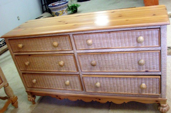 146 Lexington Furniture Wicker Queen Size Bedroom Set Lot 146