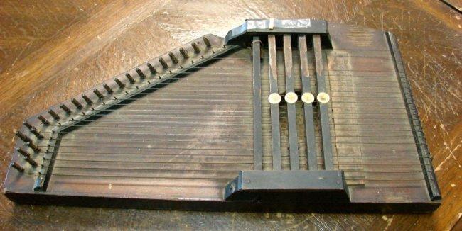 126  Vintage Hand Held HarpHandheld Harpsichord