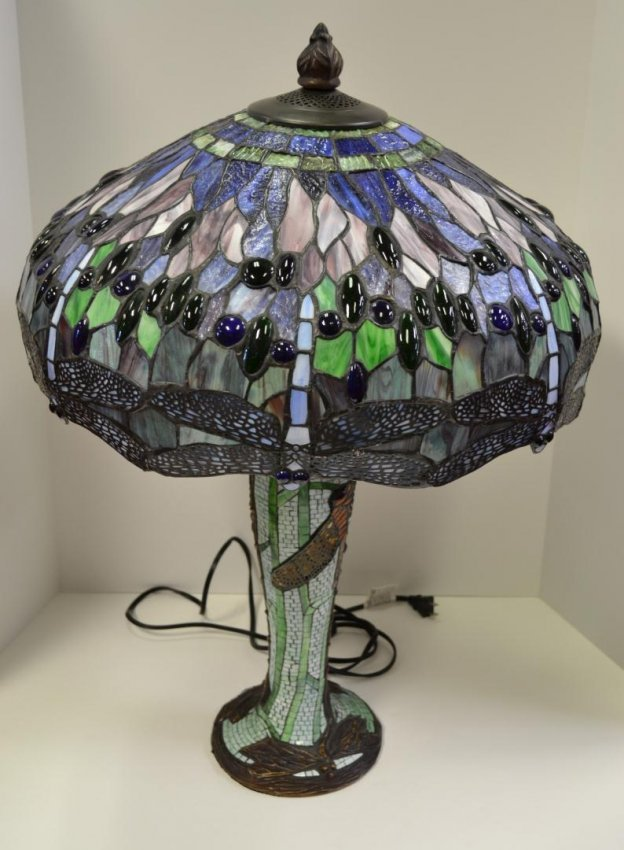 172 tiffany style dragonfly stained glass table lamp lot 172. Black Bedroom Furniture Sets. Home Design Ideas