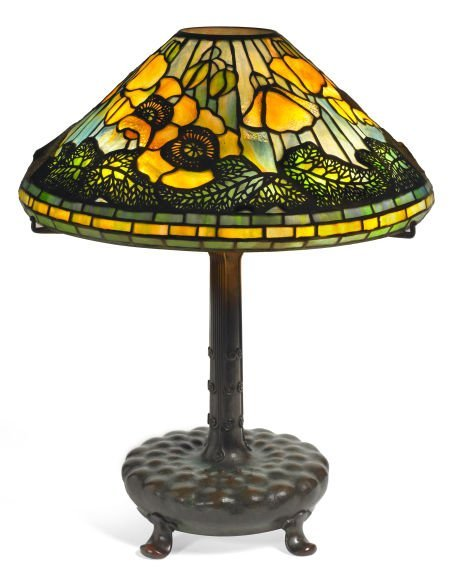 62001: TIFFANY STUDIOS POPPY TABLE LAMP Bronze lamp bas : Lot 62001