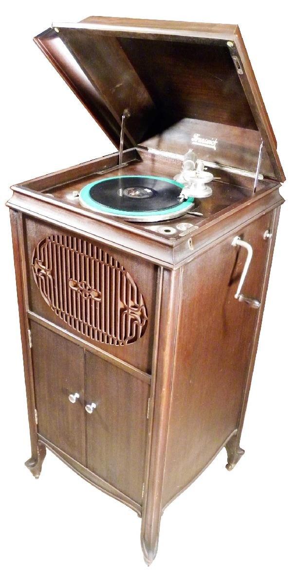 650 Brunswick Balke Collender Co Phonograph Lot 650